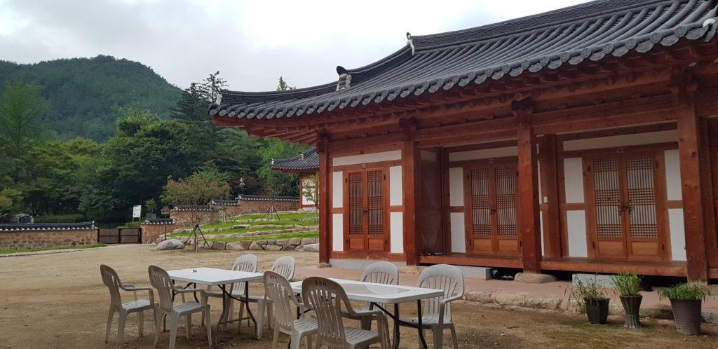 Temple stay geumsansa dortoir hanok